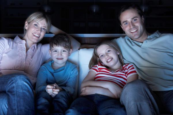 Tips For a Fun Family Film Night